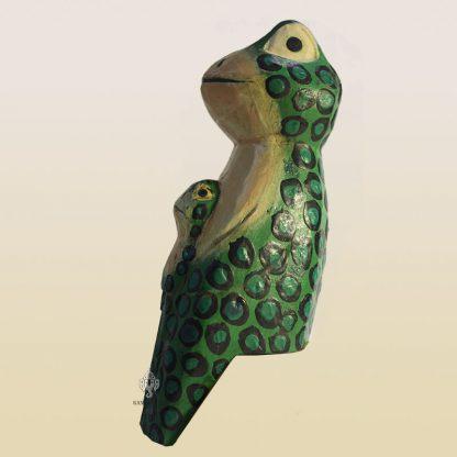 Лягушка с лягушонком